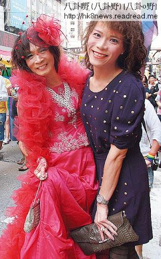 蘭子在遊行中,遇到同樣以女裝打扮為代號「出櫃」的紅裙男同志。