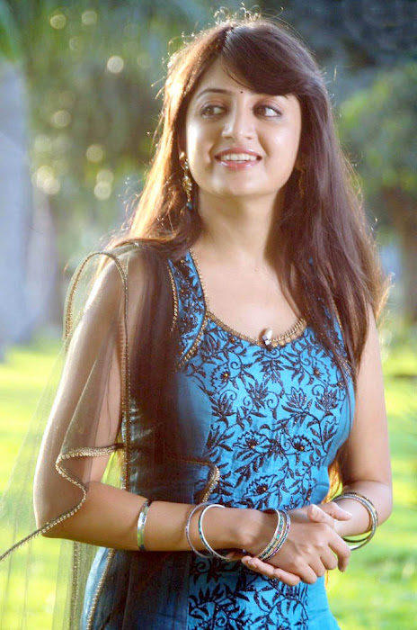 test poonam kaur new actress pics