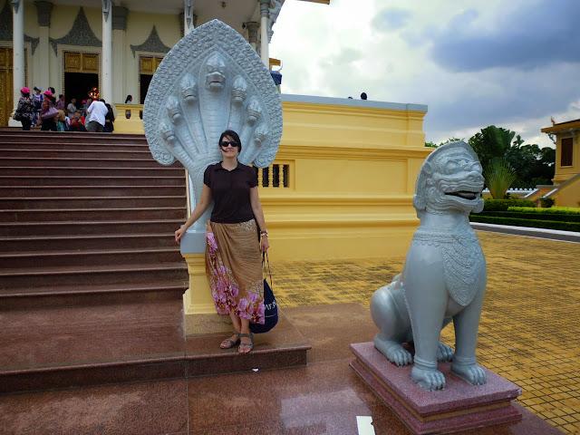что можно одеть во дворец в Пномпене
