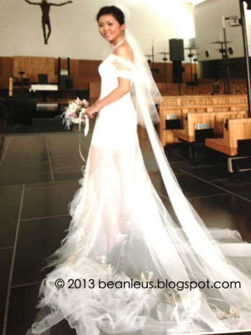 St Mary's of the Angels, Hip Wedding Gown, Feathers on gown