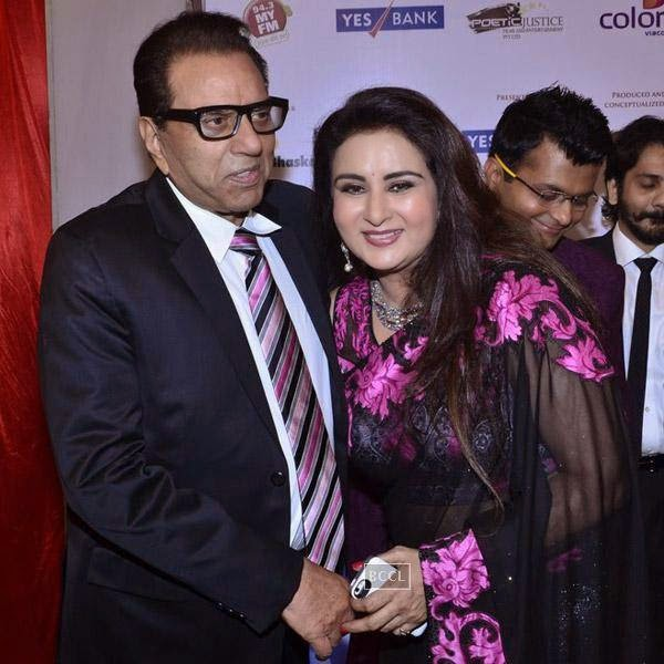 Dharmendra and Poonam Dhillon at the International Indian Achievers Awards event, held at Filmcity in Mumbai. (Pic: Viral Bhayani)