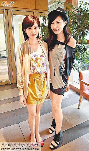 落選港姐陳潔玲(左)和林泳淘到無綫電視城見高層。