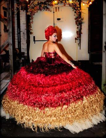 人毛製ウェディングドレスのデザイナー「レディー・ガガに着て欲しい」