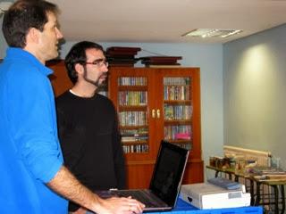 Daniel y Pablo ultimando detalles de la presentación