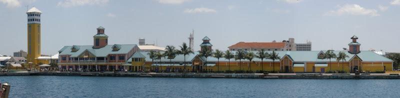 [Floride 2011 - Trip Report] WDW,DCL,USO,IOA,KSC,DC,BG,SW,ETC ... - Page 6 Pano_Nassau_Entrance