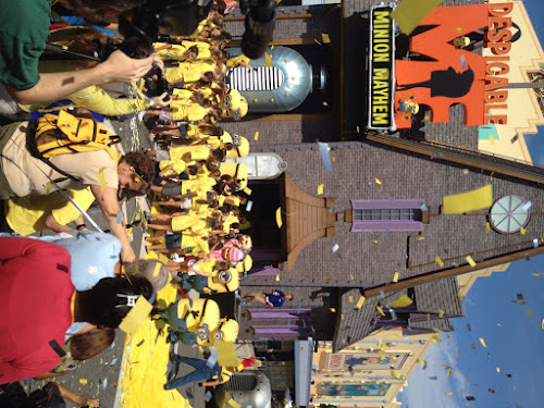 Video: Grand Opening of Despicable Me Minion Mayhem
