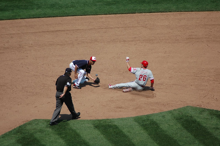 Utley fails to steal second