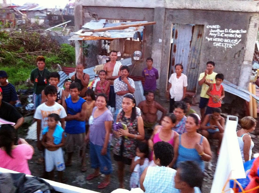 https://lh5.googleusercontent.com/-7YsXTeCU3x4/UtjqxxWzqEI/AAAAAAAADOI/vMAVkJ7AI0Q/w1101-h822-no/san-jose-tacloban-relief-006.jpg