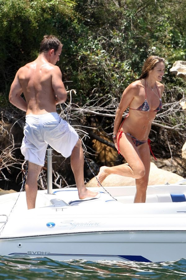 Elle MacPherson in Bikini on a Boat in Sydney:celebrities,bikini girl0