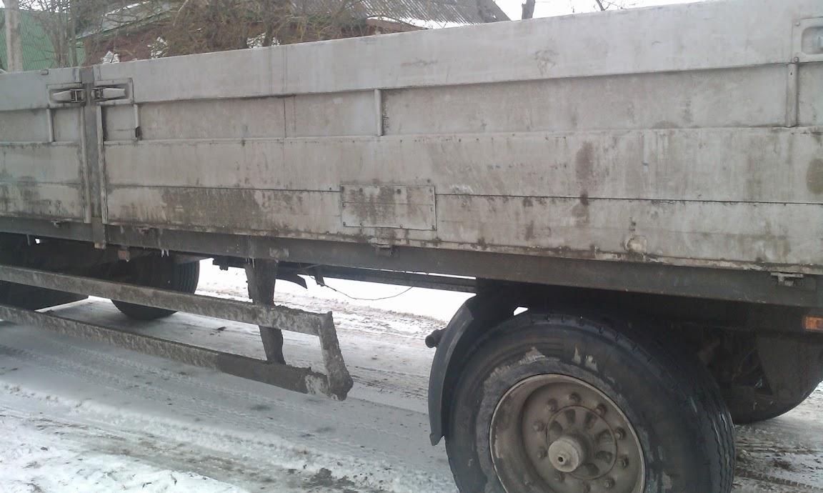 прицеп грузовика с манипулятором