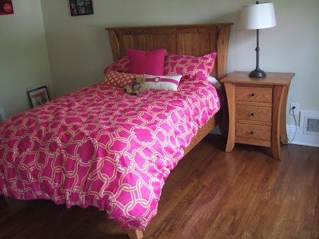 Kyoto Platform Bed and Nightstand with Drawers, in Natural Oak