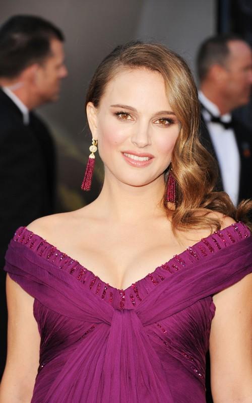 academy+awards+2011+oscars+red+carpet+february+25+2011+purple+rodarthe