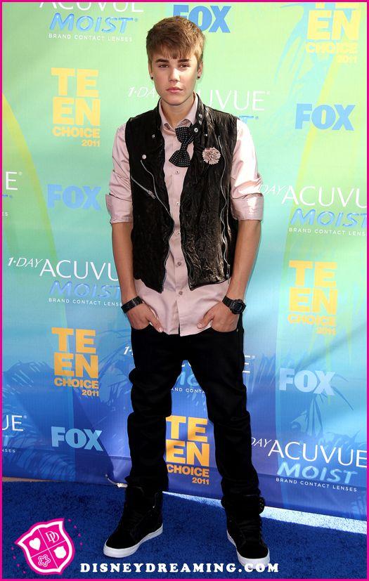 Justin-Bieber-2011-Teen-Choice-Awards2.jpg