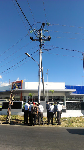 Mapping an electricity pole during training