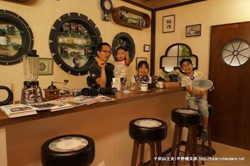 TAIYA CAFEのCMセットで記念撮影