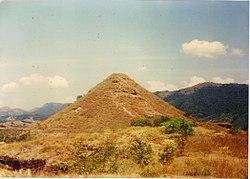 PIRAMIDE EN COLOMBIA.JPG