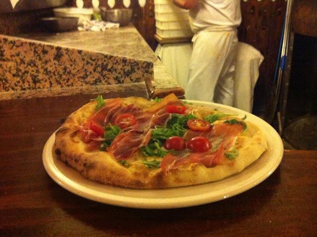 Pizza de prosciutto La Maruzzella restaurante a domicilio Mejor en casa