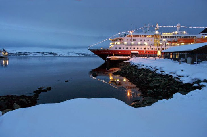 Where to See Northern Lights via a Hurtigruten Cruise.