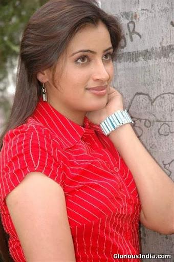 Navneet Kaur Photos