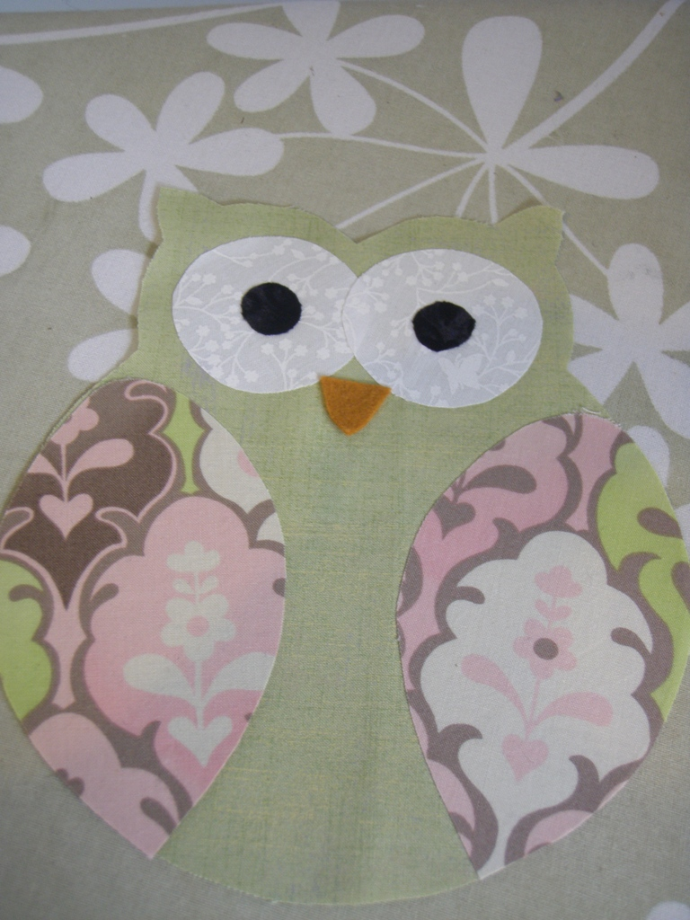 Owl Softie free Pattern/Tutorial & Sew Little Fabric by Paula Storm: Owl Softie free Pattern/Tutorial pillowsntoast.com