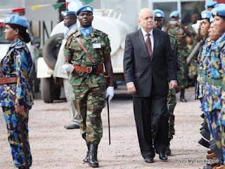 Roger Meece, représentant spécial du secrétaire général des Nations unies, lors de la journée internationale des casques bleus à Kinshasa le 29 mai 2012