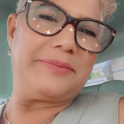 Wanda Nieves