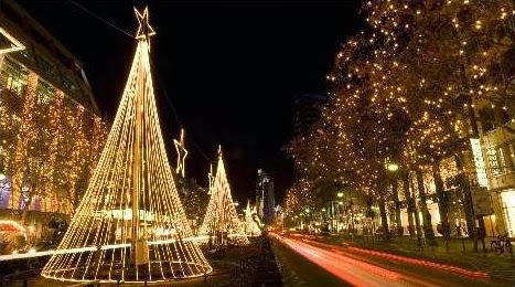 Sfondi di Natale Alberi illuminati