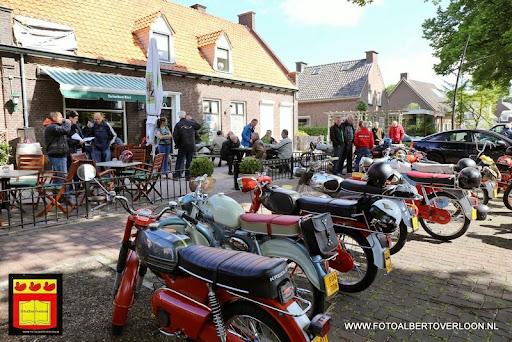 oldtimer bromfietsclub De Vlotter overloon 02-06-2013 (32).JPG