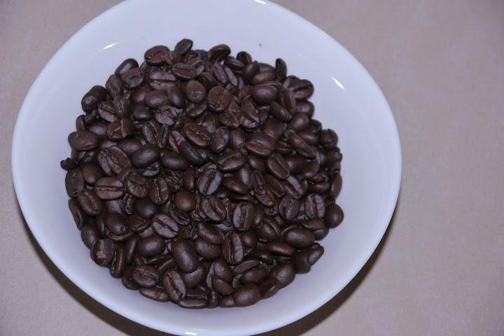 【知名跨國咖啡品牌產品實照】乍看之下色澤均勻