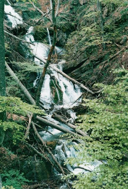 Ущелье Хапхал - большой водопад