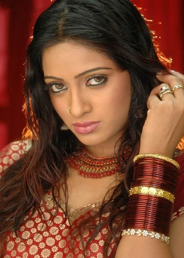 Slicypics Indian Actress Tamanna Bhatia Photos: Bollywood, Tamil Actress