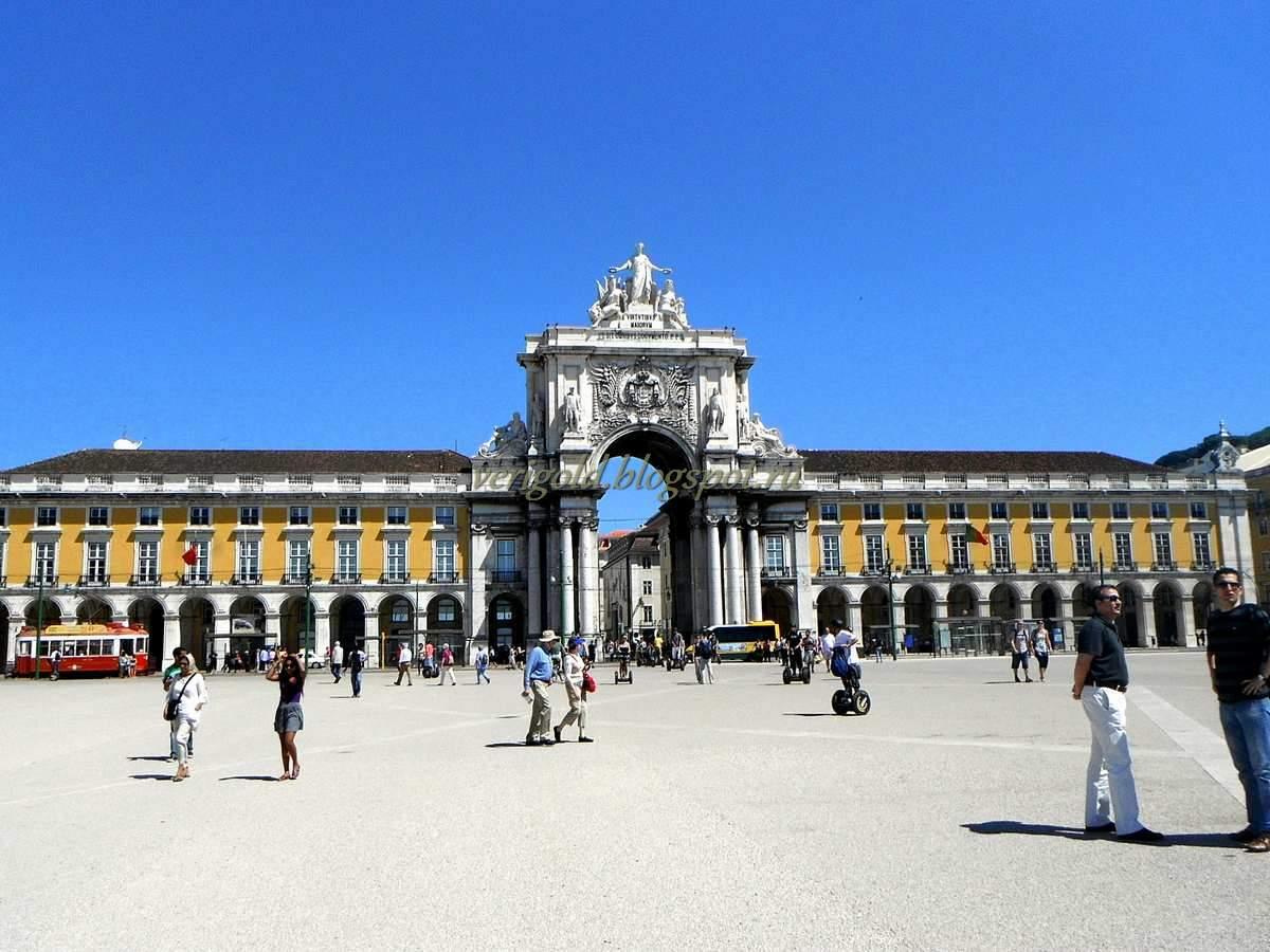 Площадь ду Комерсиу Лиссабон фото