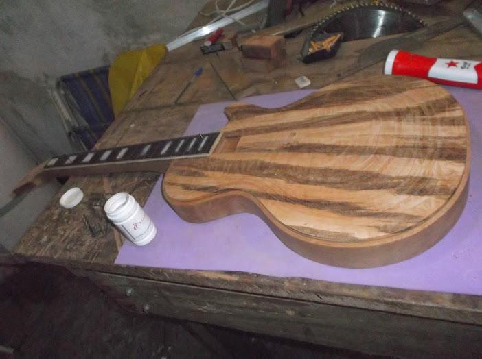 Construção inspirada Les Paul Custom, meu 1º projeto com braço colado (finalizado e com áudio) - Página 3 DSCF1314