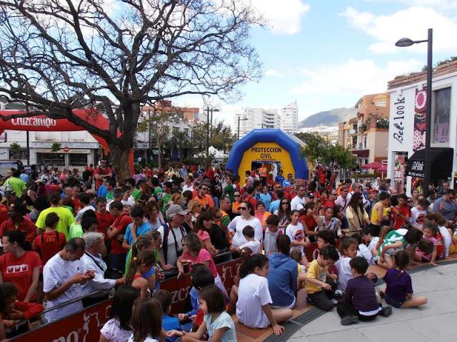Los participantes y familiares atentos a la entrega de premios.