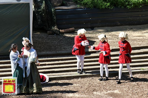 Doornroosje Openluchttheater Overloon 01-08-2012  (79).JPG