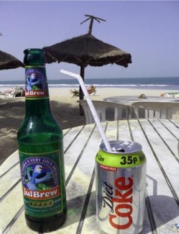 Ya que Judith está tan cervecera, pongo la cerveza de Gambia. Buenísima.