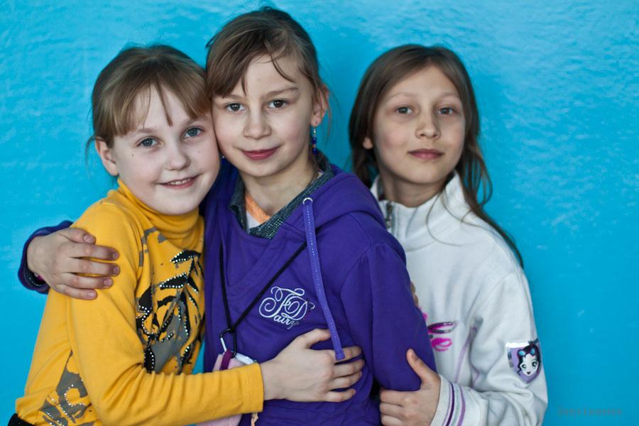 Воспитанницы Ветринской школы-интерната. / 5 марта 2011г. / д.Быковщина, Беларусь