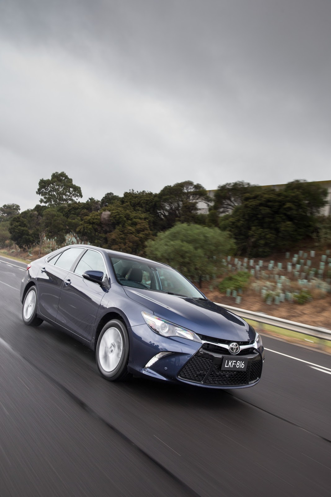 Đánh giá xe Toyota Camry 2016
