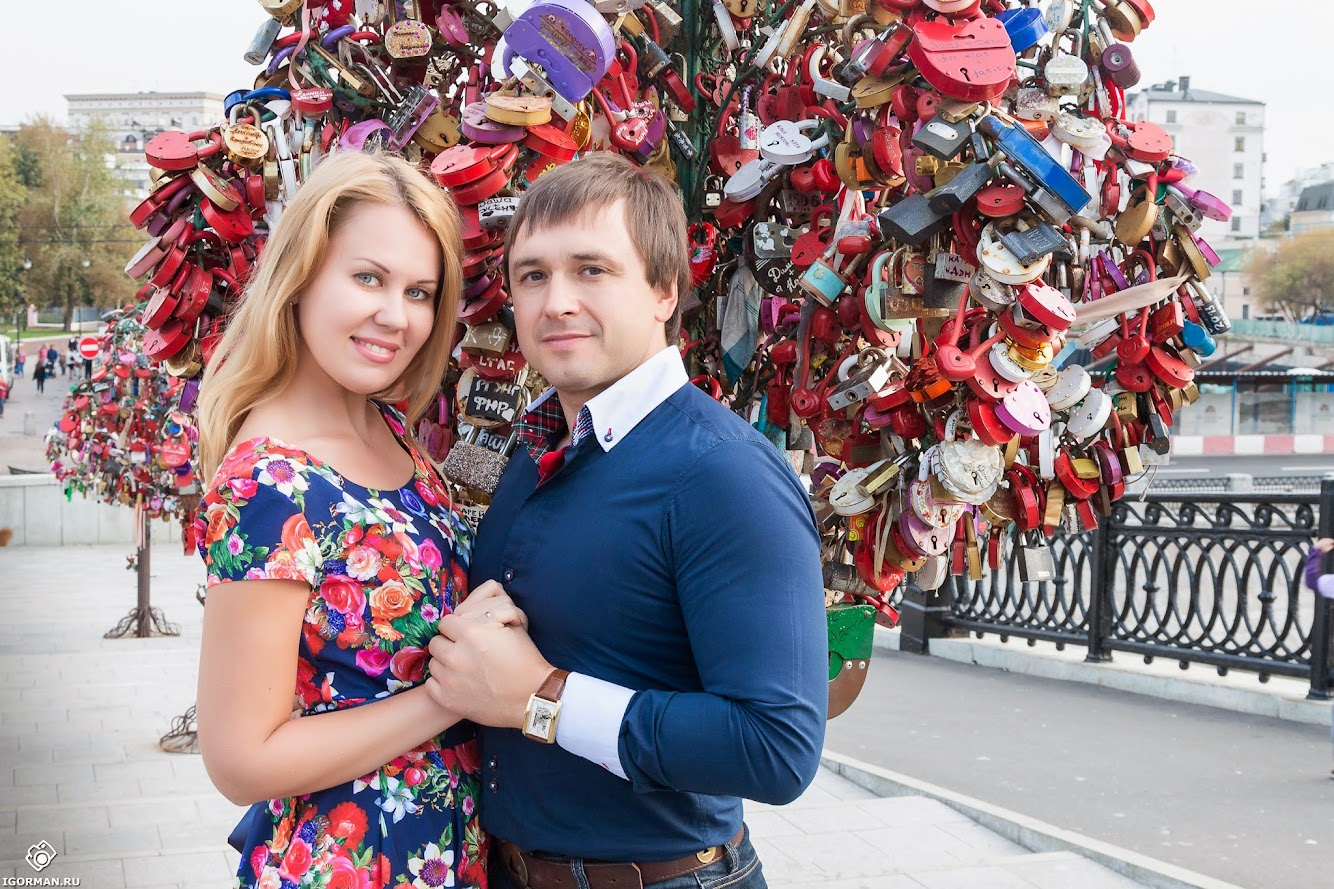 Фотосессия Love Story на мосту влюбленных - Лужков мост, Москва
