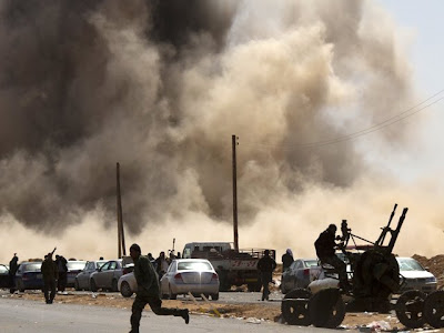 https://lh5.googleusercontent.com/-8C8Vi7nyAM4/TYbJ8YwxYoI/AAAAAAAAAxo/KmmlMeeJf-Y/s400/Aviones+de+EE.UU+bombardean+Libia-conocetodocom.jpg