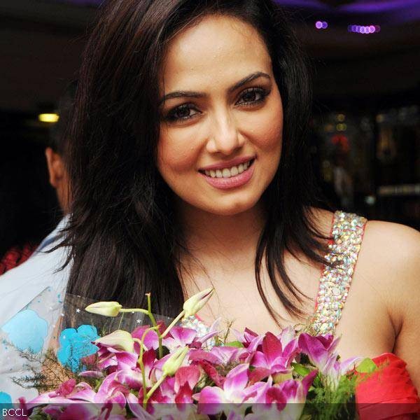 Sana Khan gets clicked during her 26th birthday celebrations in Mumbai on August 21, 2013. (Pic: Viral Bhayani)