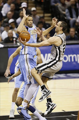 wearing brons nba lebron9 freegums manu ginobili 15 Wearing Brons: LeBron X, 9 and Soldier 6 Sightings all over NBA