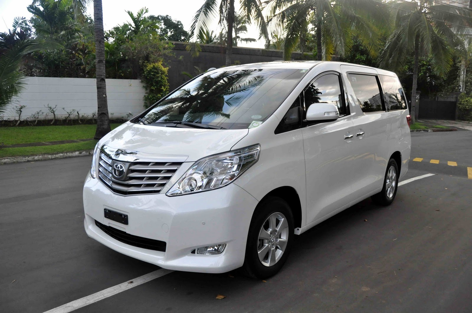On Your MARK: 2011 Toyota Alphard