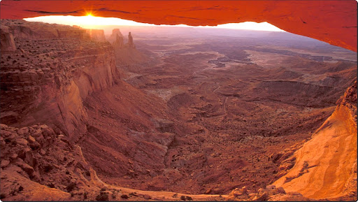 Mesa Arch at Sunrise, Canyonlands National Park, Utah.jpg