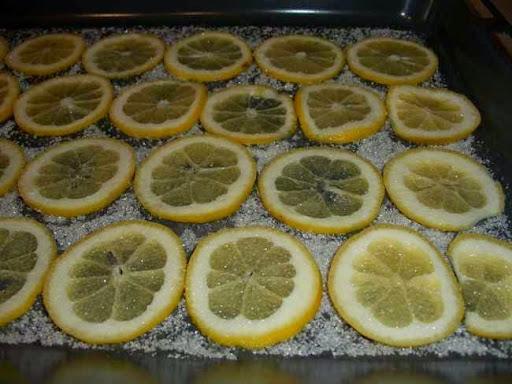 Засахаренные лимонные дольки