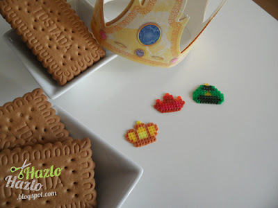 Coronas con hama beads.