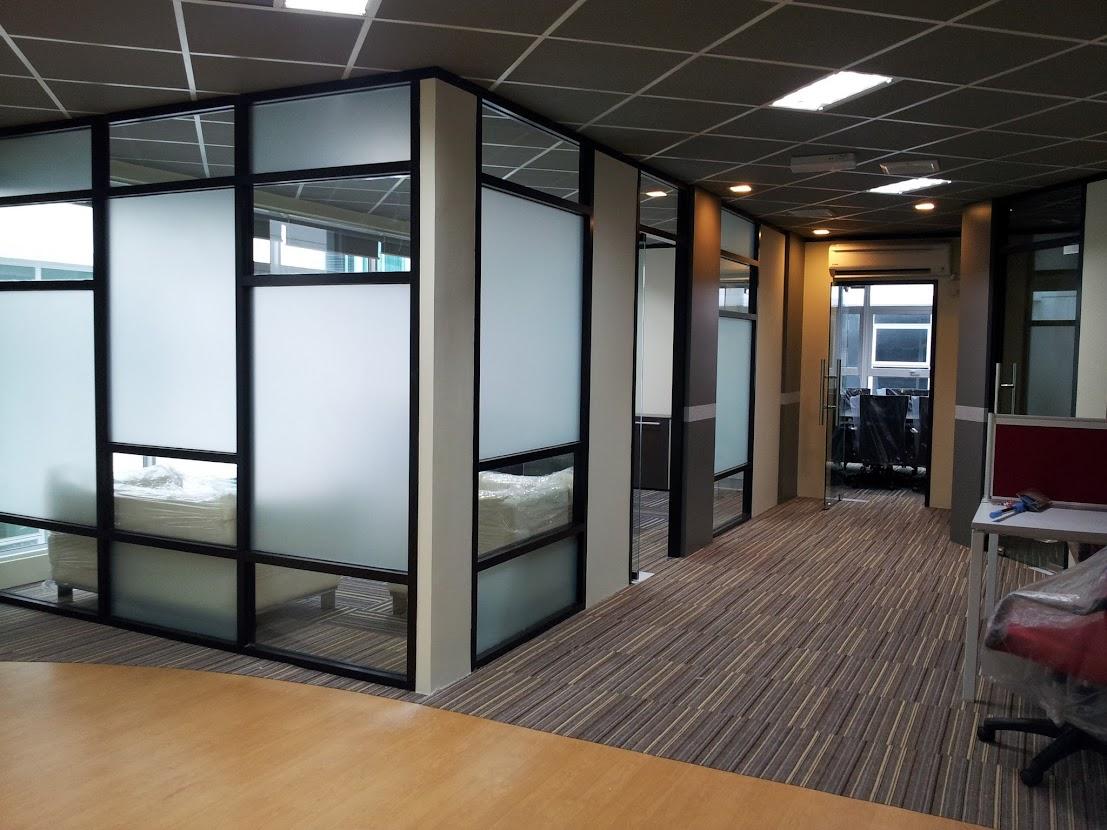 2nd floor floor corridor