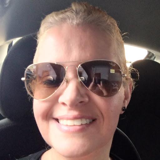 Carol Salgado Photo 7