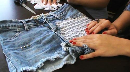 Customização de short jeans com renda - customização pronta