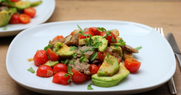 steak pfanne mit avocado und kirschtomaten sch ner tag noch food blog mit leckeren rezepten. Black Bedroom Furniture Sets. Home Design Ideas